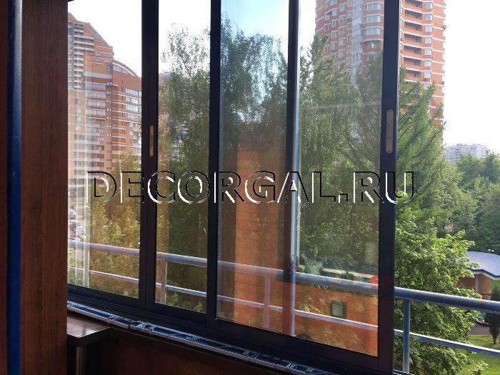 decorgal.ru/img/foto/alyuminievye-zhalyuzi-dlya-lodzhii-1/zhaluzi-na-lodzhiu-2.jpg